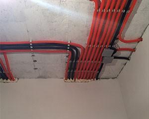 Прокладка кабеля в стенах фото