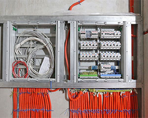 Elektrikute teenused kodus foto